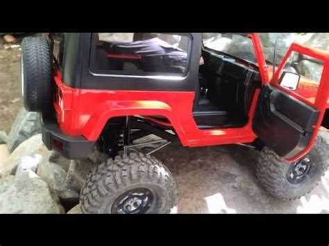 rc scale Jeep Wrangler - FIRST TRAIL RUN - rock crawler