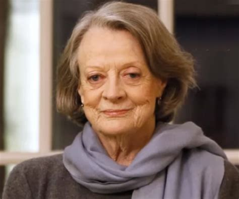 Maggie Smith Biography - Facts, Childhood, Family Life