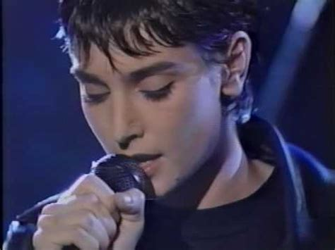 Sinead O'Connor - Thank You For Hearing Me performance