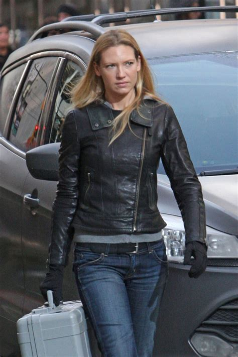 Anna Torv Photos Photos - The Set of 'Fringe' - Zimbio